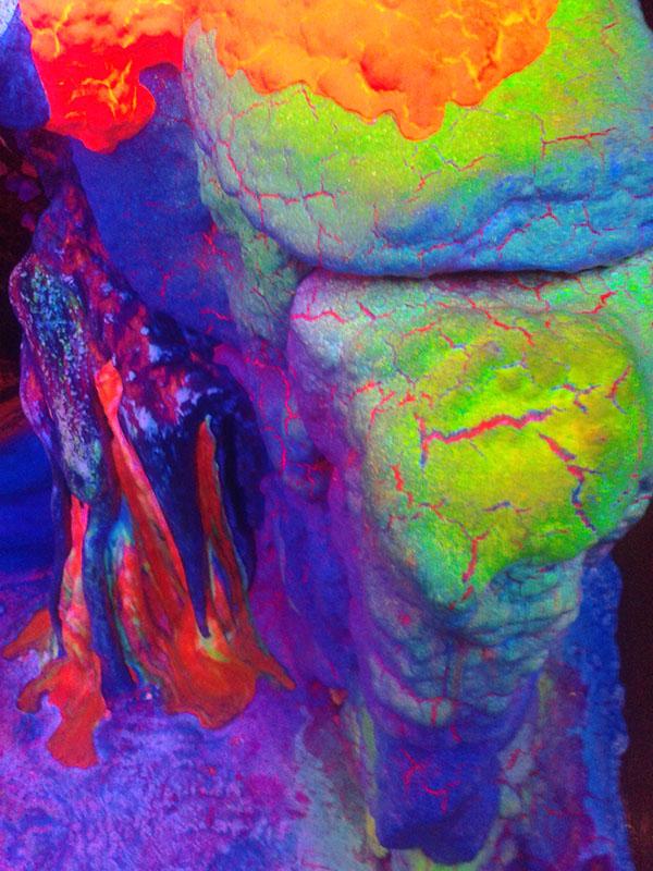 museum-fluorescent-art-amsterdam-trufflemagic-4