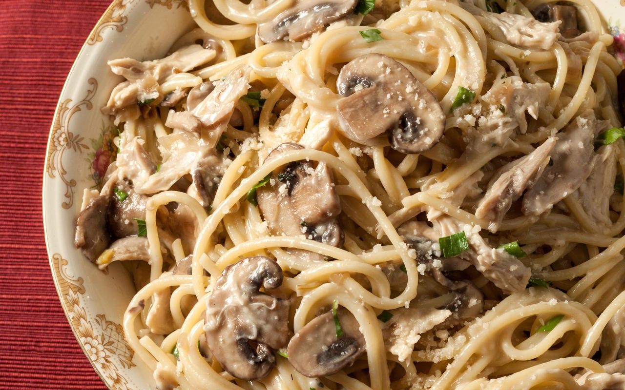 Spaghetti with Magic Mushrooms - Trufflemagic - Fresh